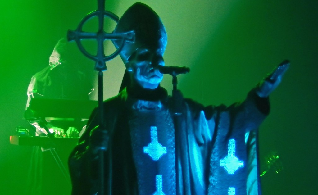 Ghost w Polsce – dramat w trzech (?) aktach